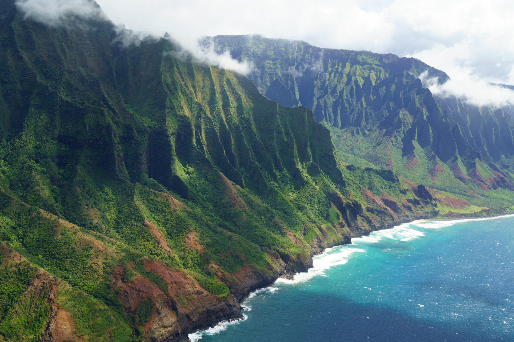 Helicopter tour of the Na Pali Coast in Kauai | Never Settle Travel