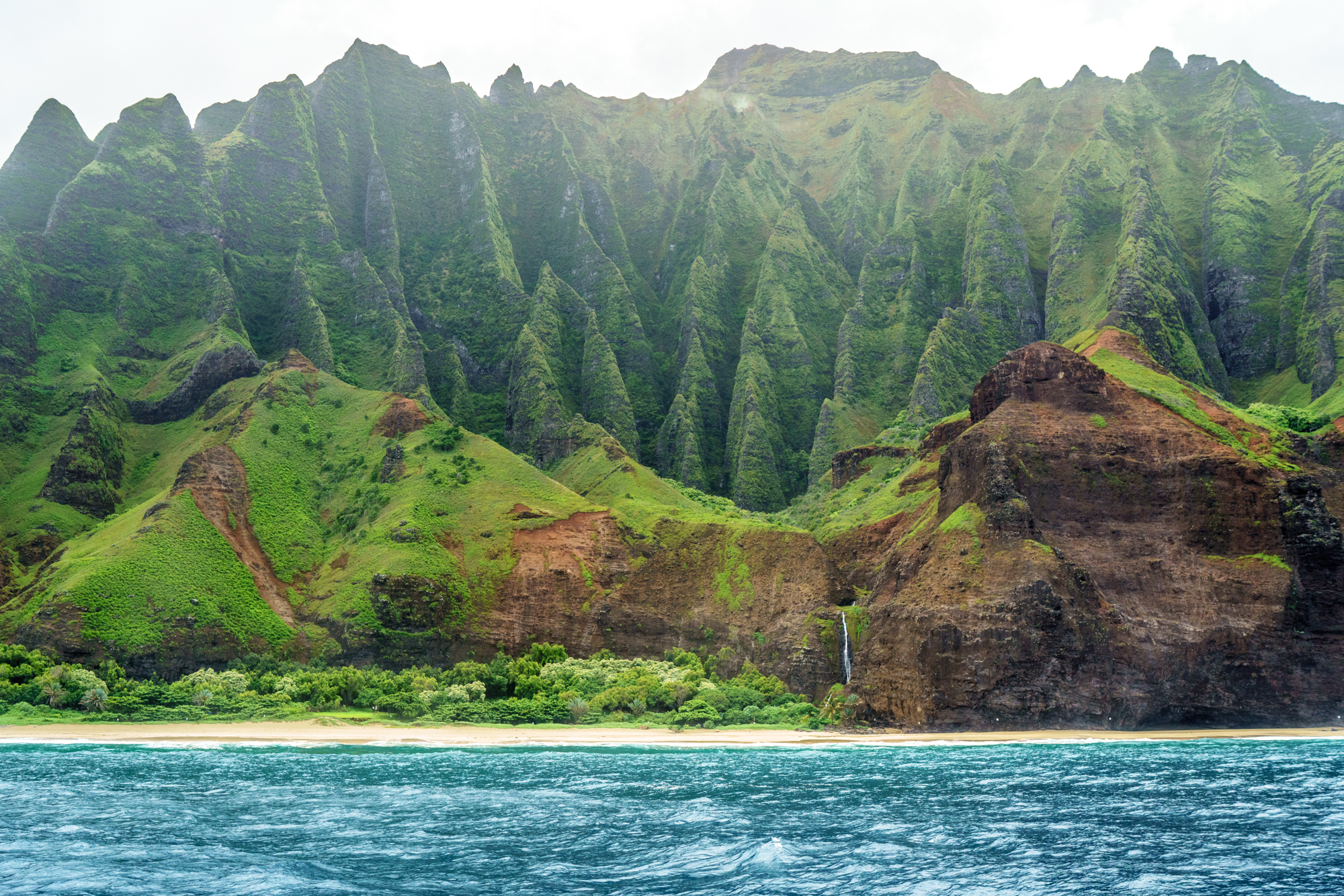 Sailing the Na Pali Coast in Kauai | Never Settle Travel