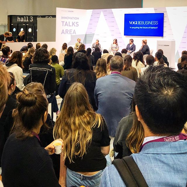 Standing room only at yesterday's Smart Talk, IS UPCYCLING THE FUTURE OF FASHION? @voguebusiness @maghanmcd @stefanomartinetto @tomorrowshowroom @averydennison @make_fashion_circular @ellenmacarthurfoundation @thewoolmarkcompany @evrnu @cfda @voguemagazine @duranlantinkyo