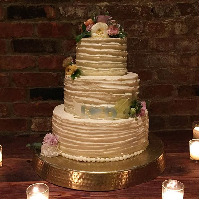 congrats to L&D our candles are cute accent on your beautiful wedding cake! Thanks for selecting.