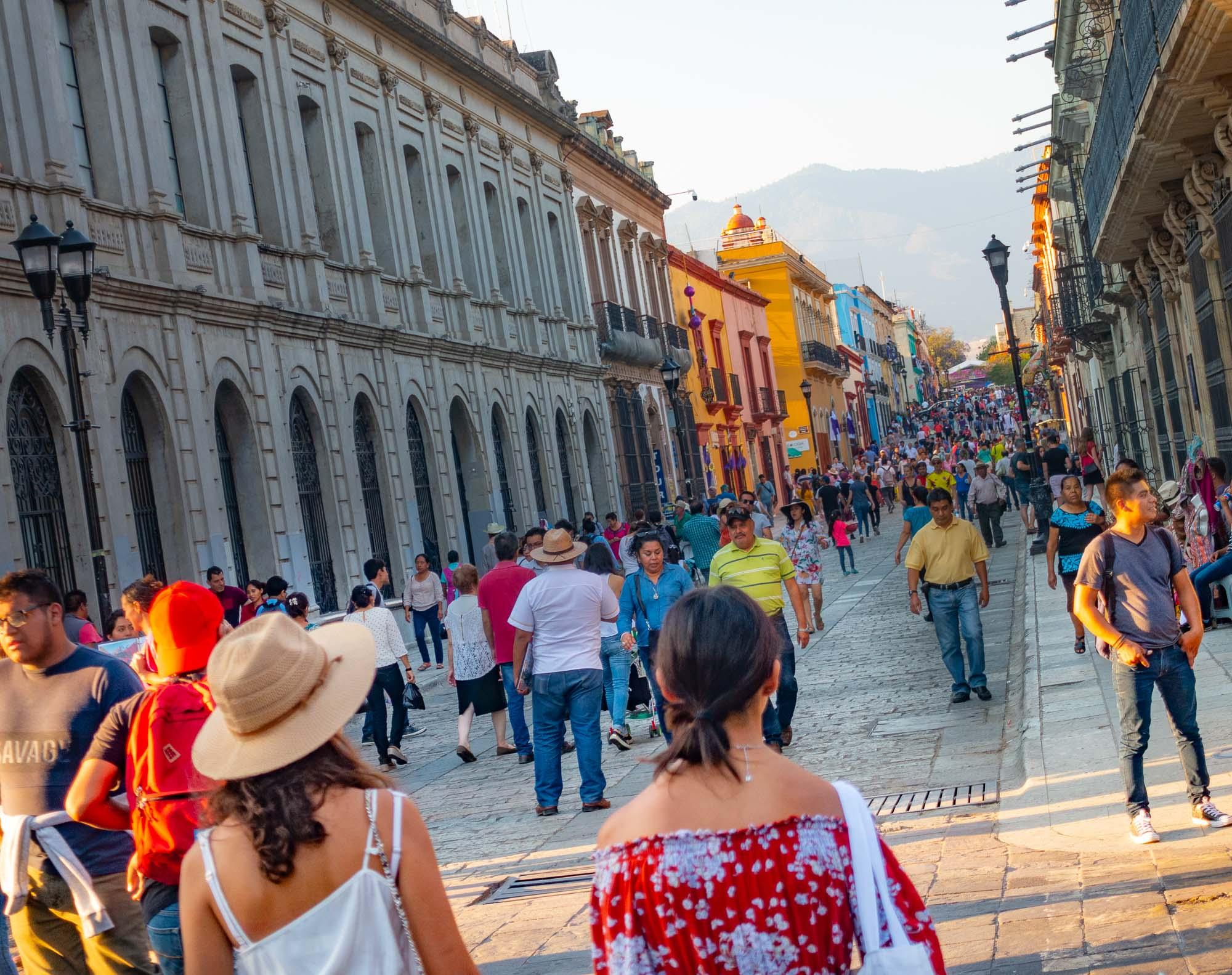 Evening strollers Oaxaca_DSC5048.jpg