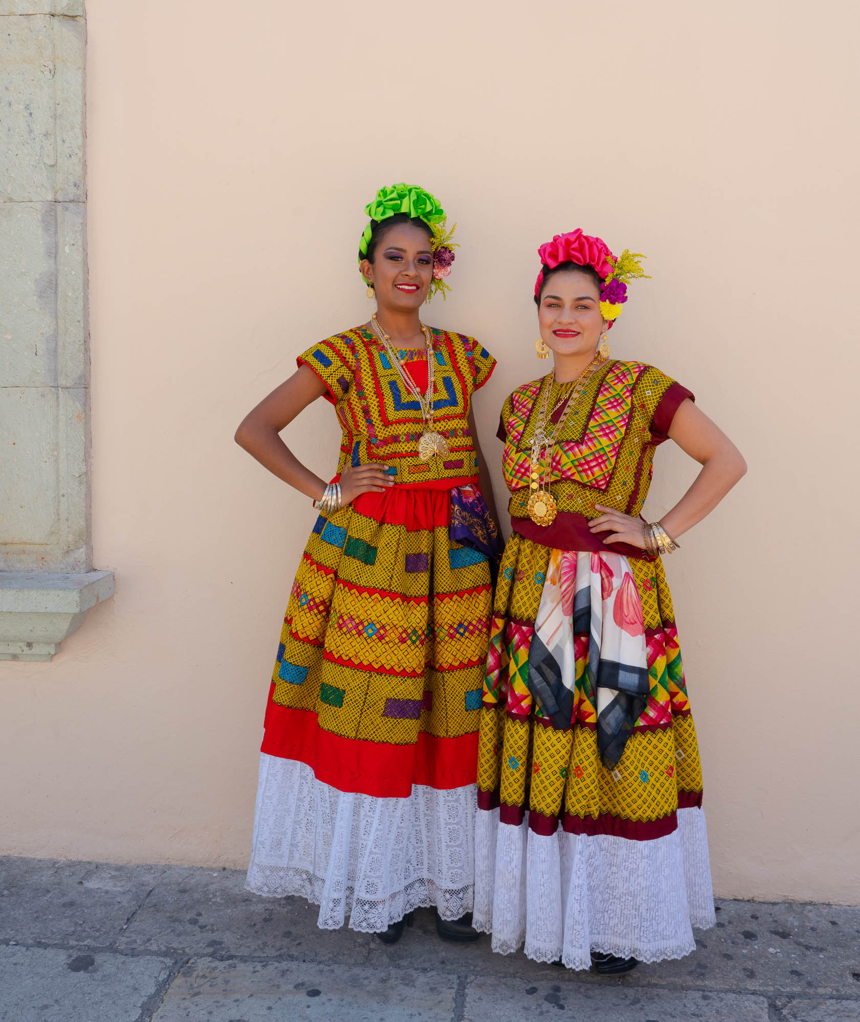 Frida Kahlo impersonators, Oaxaca_DSC0951.jpg