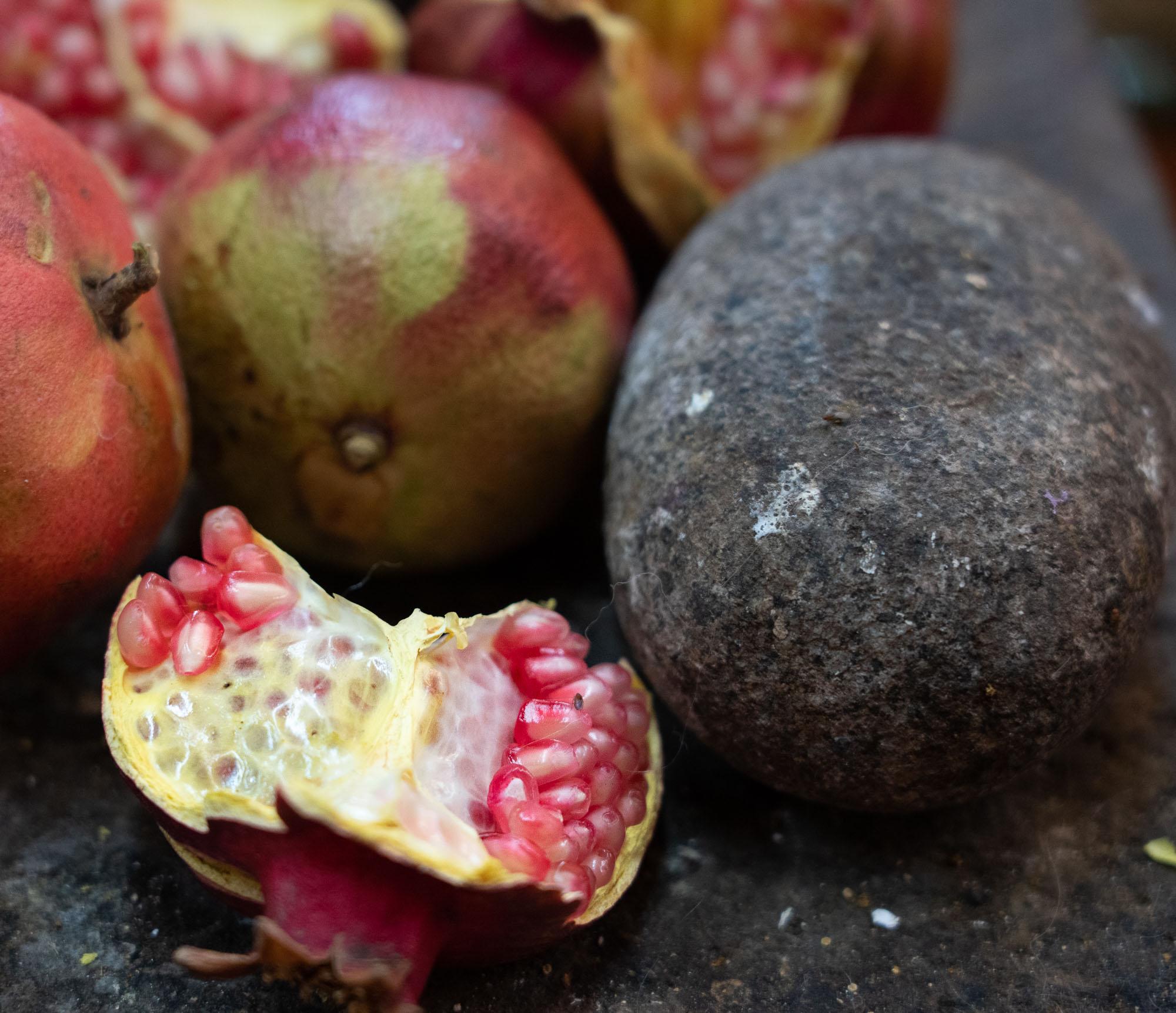 pomegranate for dye_DSC0667.jpg