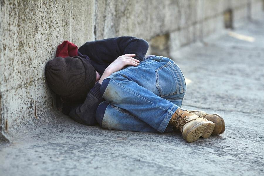 xlgbtq-homeless-youth.jpg.pagespeed.ic.Arkb1Qx-gS.jpg