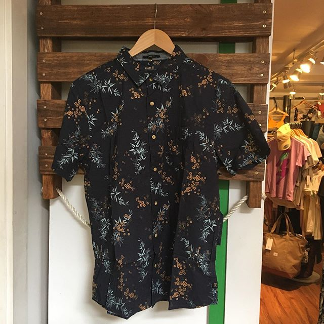 A couple new @roark wovens just showed up to add to our already incredible selection of short sleeve button ups. Come get yourself one for wine tasting, summer BBQs, the farmers market or whatever you have going on! . . . . #roarkrevival  #partytarp #summertime #penticton #pentagonboardshop
