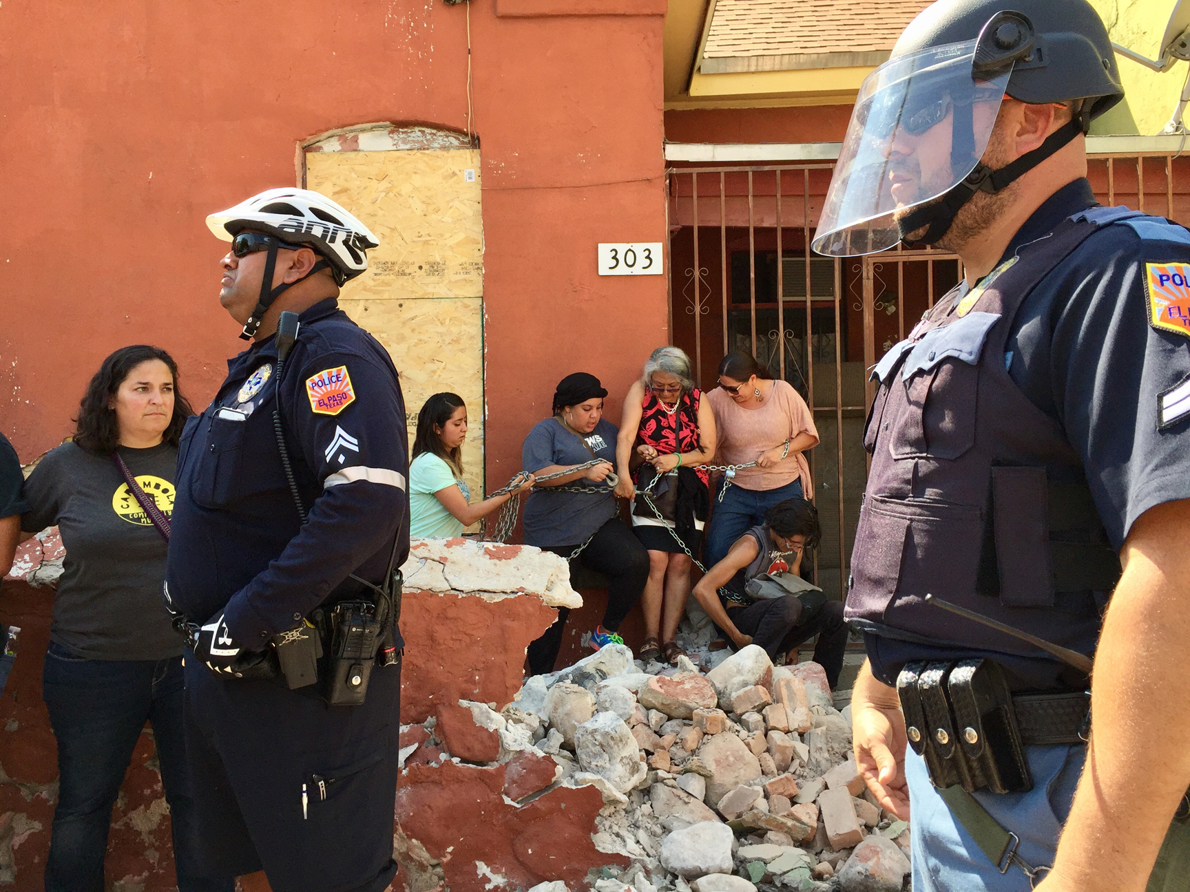 SM.PoliceAndWomenChains.jpg