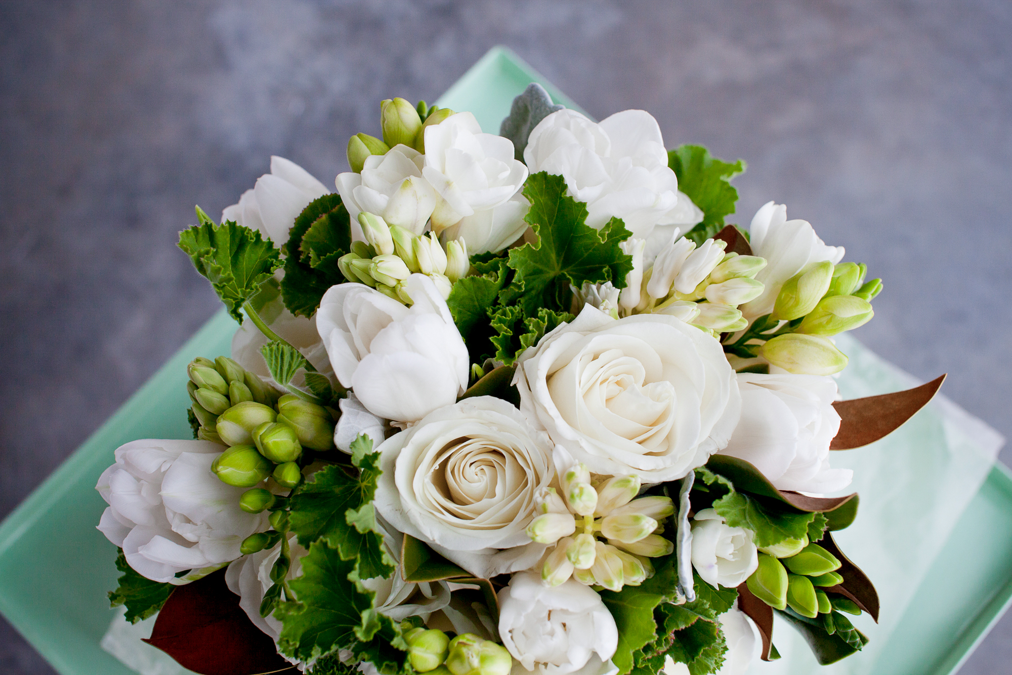 005_CarlyGaebe_SteadfastStudio_WeddingPhotography_NewYorkCity_Brooklyn_WytheHotel_Retro_Bouquet_WhiteRoses_Greenery.jpg