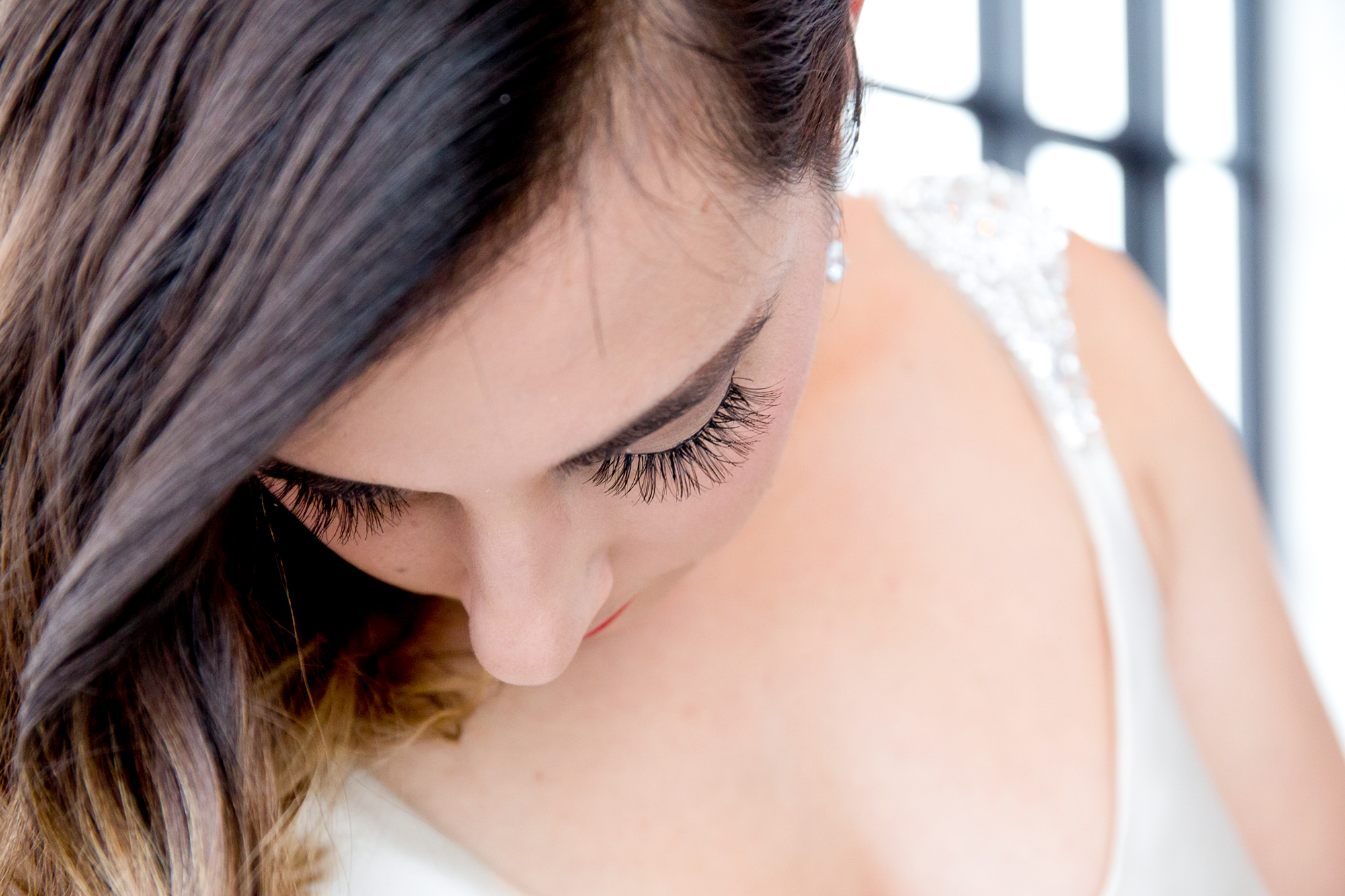 008_CarlyGaebe_SteadfastStudio_WeddingPhotography_NewYorkCity_Brooklyn_WytheHotel_Retro_Bride_Eyelashes.jpg