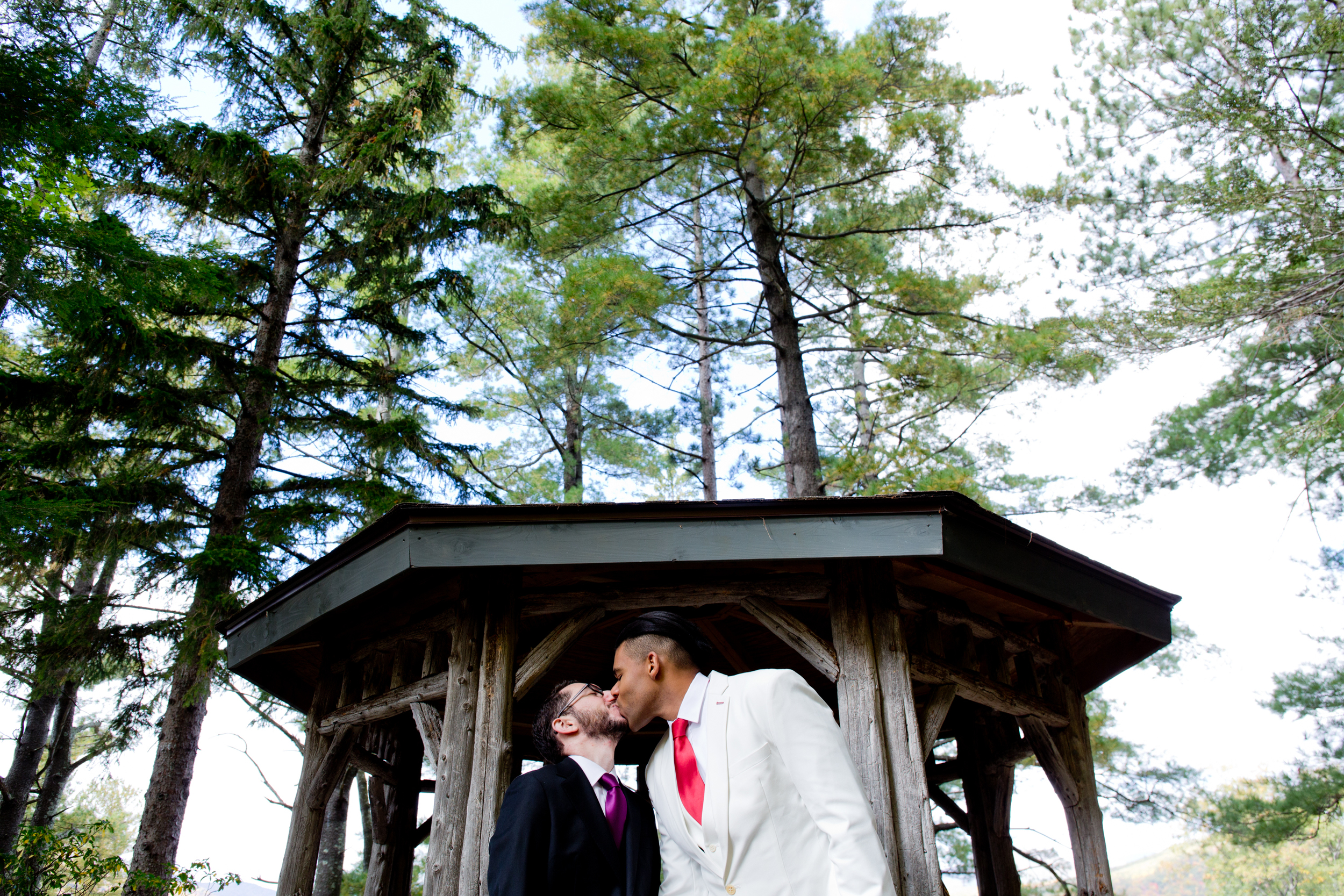 042_CarlyGaebe_SteadfastStudio_WeddingPhotography_Fall_Autumn_Foliage_UpstateNewYork_Gay_Biracial_OnteoraMountainHouse_HudsonValley_Grooms_Rustic.jpg