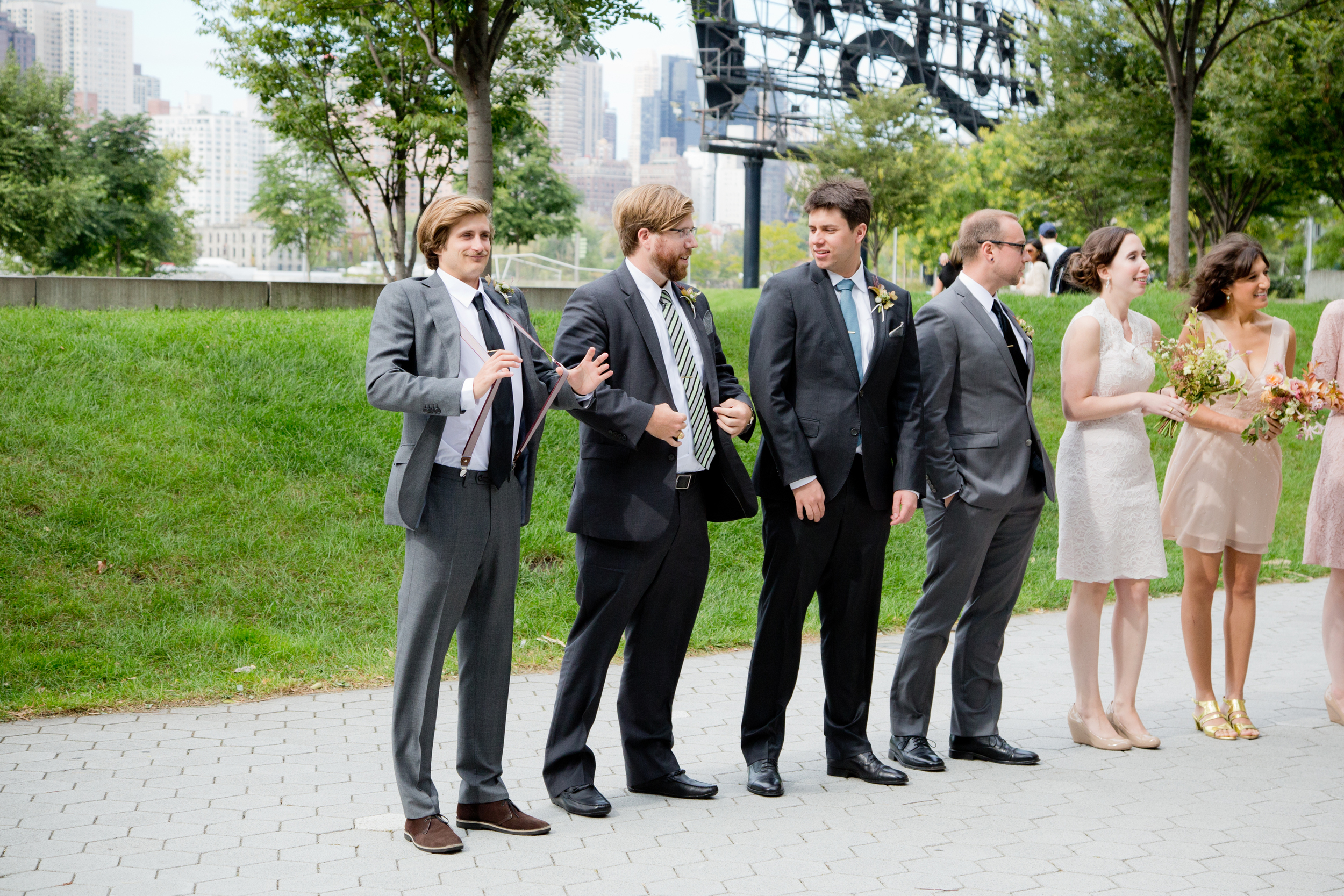 056_CarlyGaebe_SteadfastStudio_WeddingPhotography_Readyluck_NewYorkCity_Brooklyn_LongIslandCity_GantryStatePark_EastRiver_Waterfront__Fall_AltaModaBridal_Bouquet_Bride_Groomsmen_BridalParty.jpg