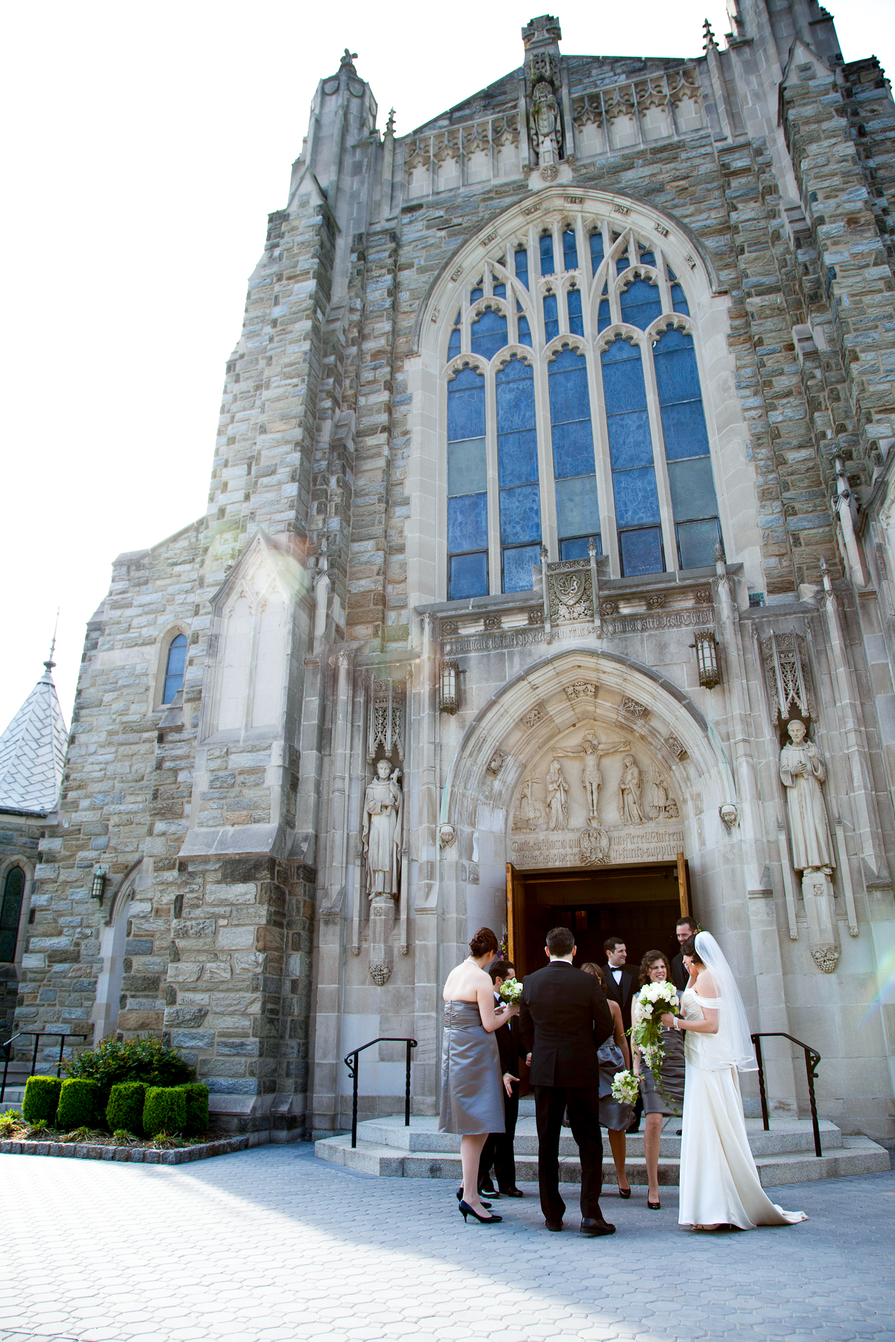 080_CarlyGaebe_SteadfastStudio_WeddingPhotography_Church_NewJersey_Bride_Groom_Bouquet.jpg