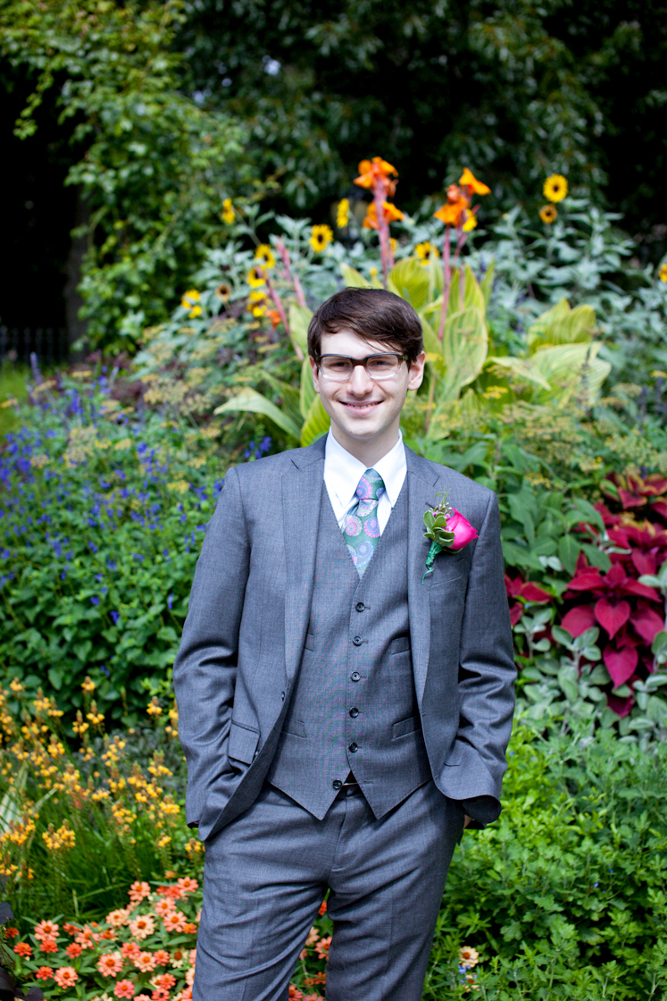 113_CarlyGaebe_SteadfastStudio_WeddingPhotography_NewYorkCity_CentralPark_ConservatoryGarden_ColorfulDress_Groom.jpg