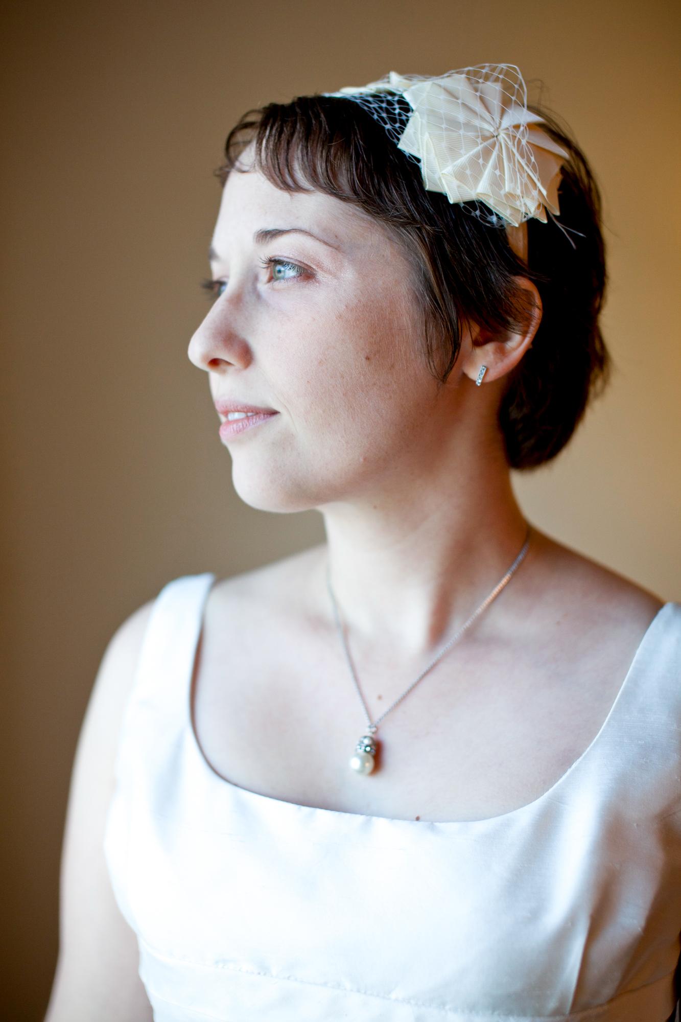 127_CarlyGaebe_SteadfastStudio_WeddingPhotography_NewYork_Ithaca_Bride_Veil.jpg