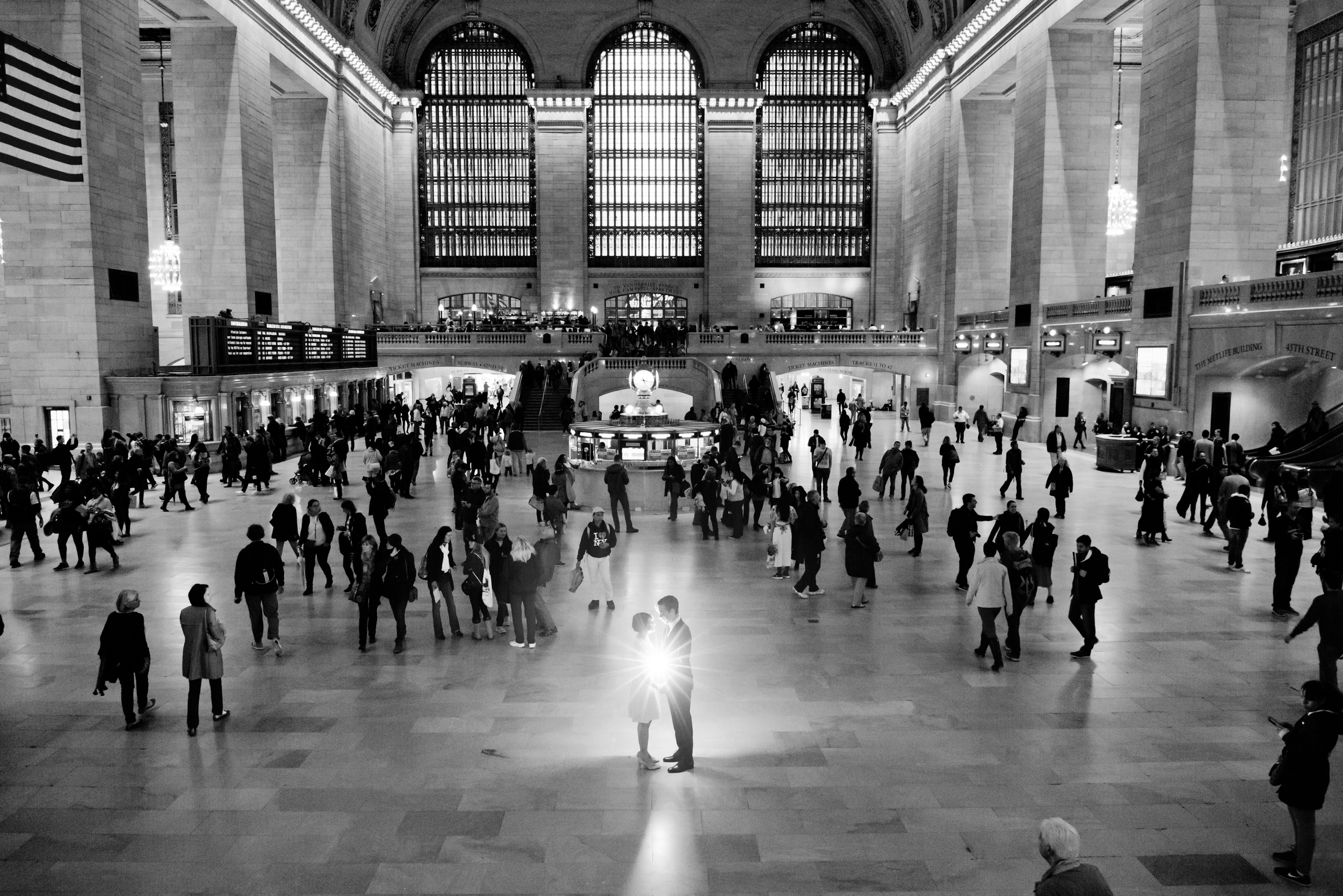 126_CarlyGaebe_SteadfastStudio_WeddingPhotography_NewYorkCity_Manhattan_GrandCentralStation_Bride_Groom_BlackandWhite.jpg