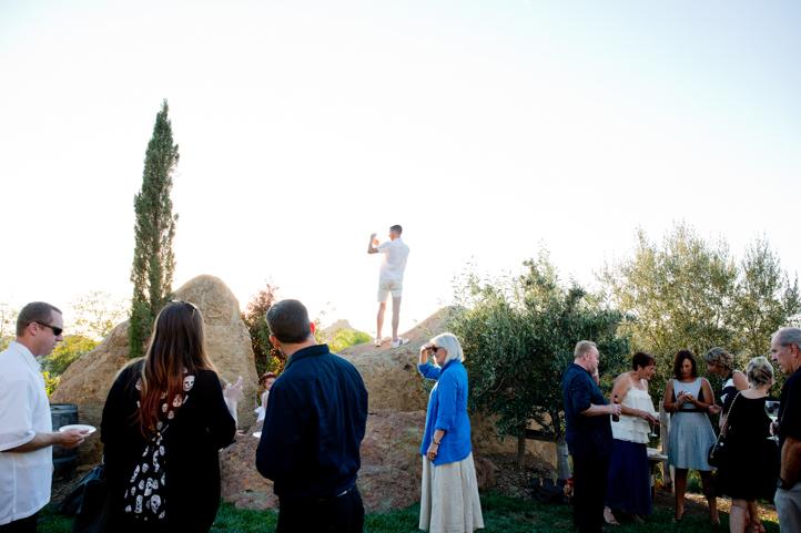 40__CarlyGaebe_SteadfastStudio_WeddingPhotography_Malibu_LosAngeles_LA_California_Winery_Hilltop_CieloFarms_Vineyard.jpg