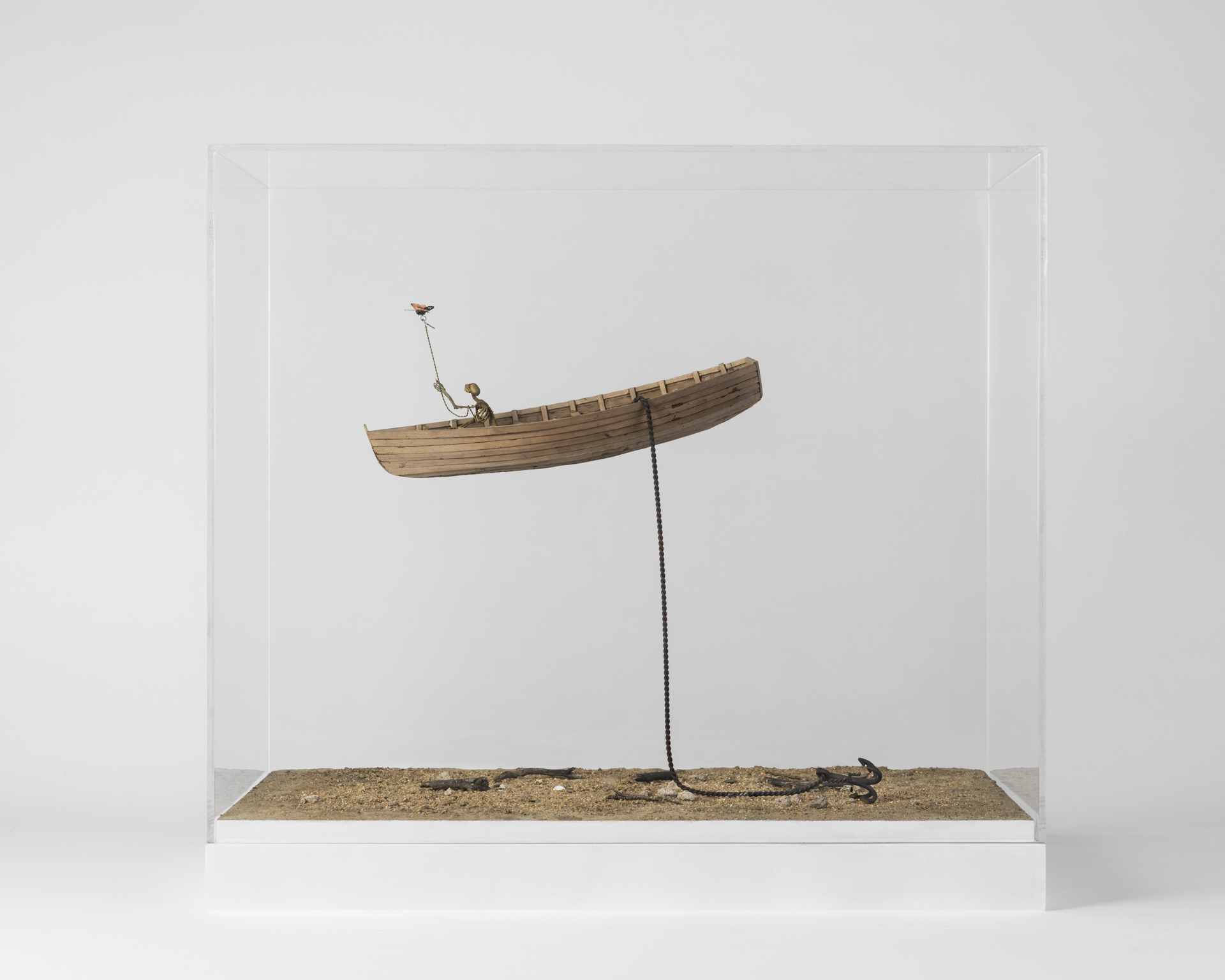 2.Sintitulo(62cmx37x58alt)(latón,madera de nogal,hierro)( 2017.jpg