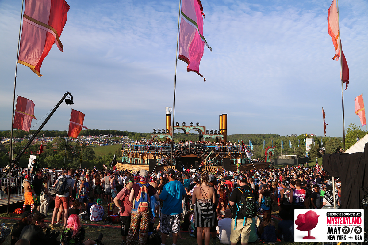 brunch-bounce-at-mysteryland-2015_18500958408_o.png