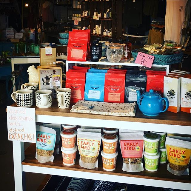 A good day starts with a good breakfast and we have some amazing and quick options to get your work or school day off on the right foot. Granola, instant oats, the best coffee and tea and all the accessories! #breakfastofchampions #coffee #granola #oats #teaparty #smallbatch #shopsmall #backtoschool