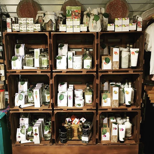 Just in time for Mothers Day we are fully stocked on @thecottagegreenhouse They have luxurious body and bath products in the freshest scents!! With face masks to foot scrubs they have you covered head to toe #mothersday #howdoesyourgardengrow #cantpickafavorite #dailyservingoffruitsandveggies #skincare #bathtime #shop #mothersdaygift #facemask #footscrub #headtotoe