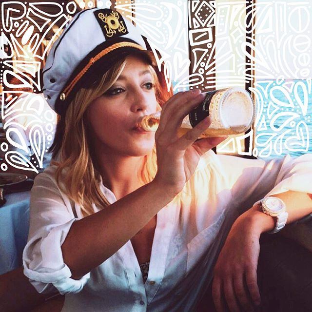 Look at her, she is the captain now ⚓️ • • • • • #loversandletters #handdrawn #doodles #captainkate #creativity #drawing #ipadpro #applepencil