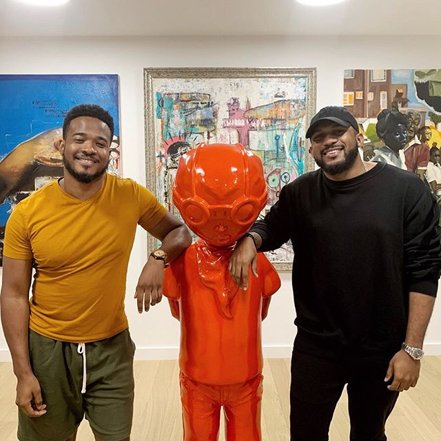 Before I left L.A., I made it a point to interview @Everette in person for @MTVNEWS. First of all, this picture is really us in his own personal art gallery. Secondly, our conversation offers a lot of insight into how his latest venture — @artxofficial — will help emerging artists to break into the fine art industry, important takeaways from his first decade of entrepreneurism, and his perspective on the pro's and con's of building a ✌🏾personal brand✌🏾. Swipe for the excerpts and click the link in my bio for the whole thang. ✨