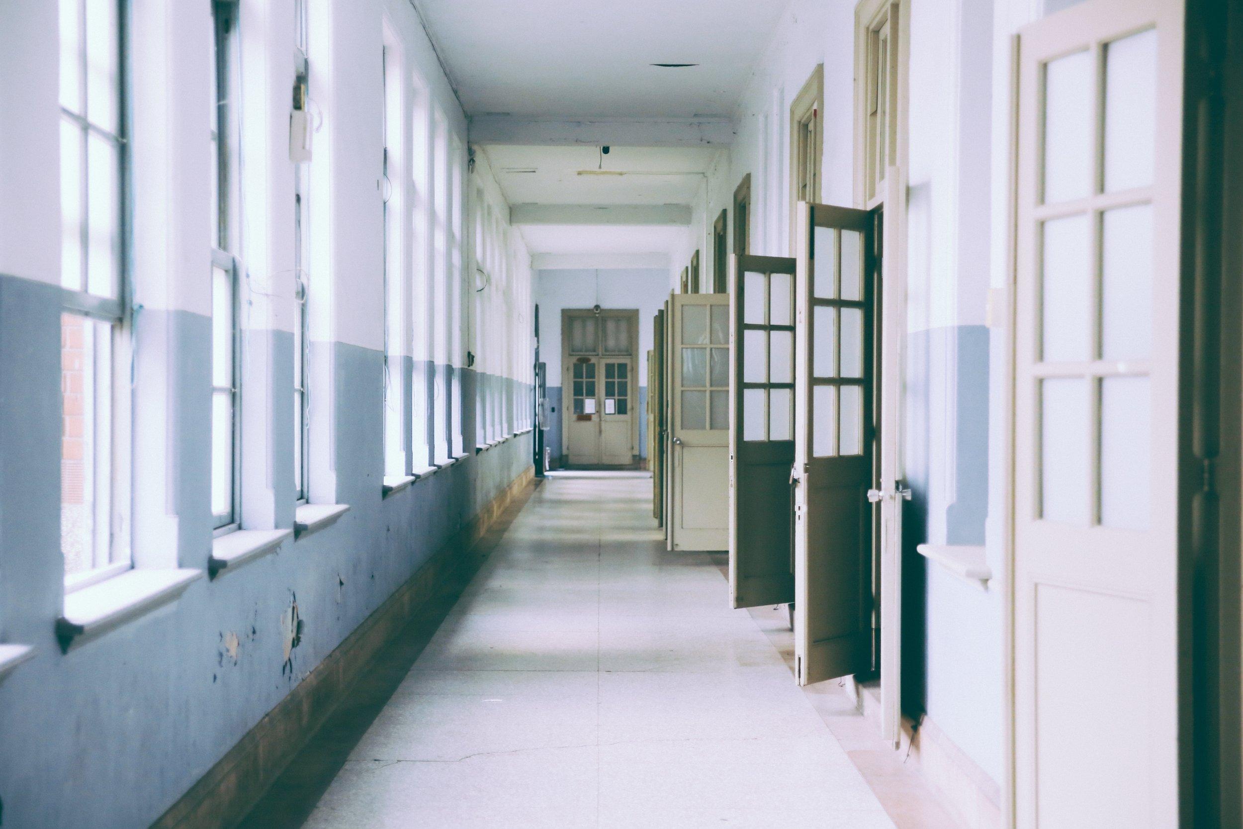 building-ceiling-classroom-373488.jpg