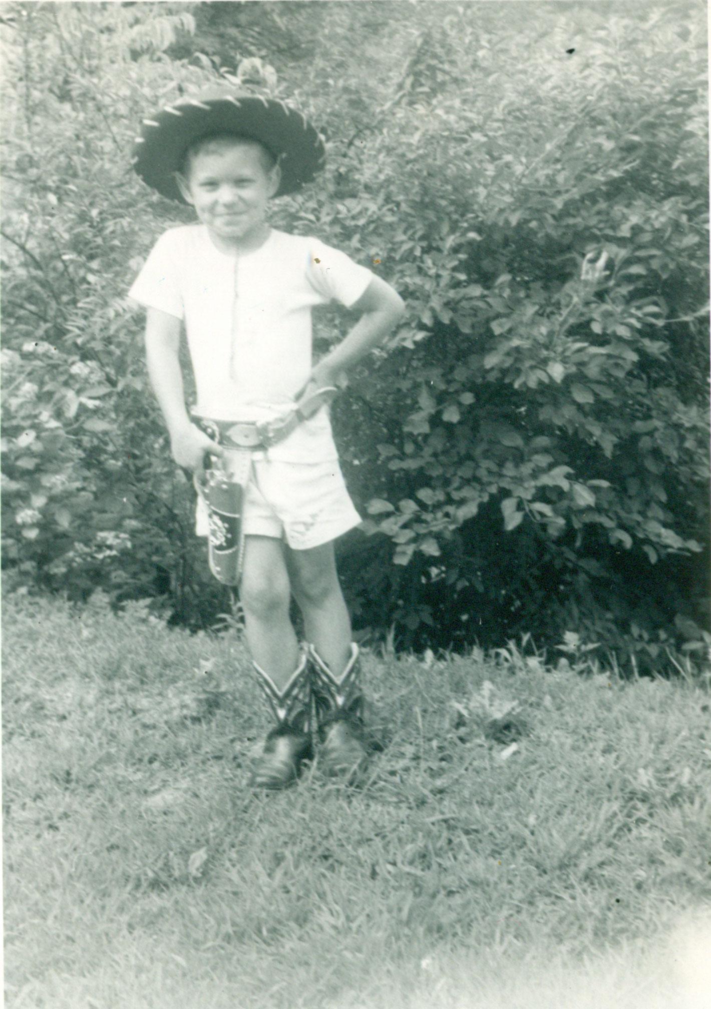 Tom-4th-Bday-1953.jpg