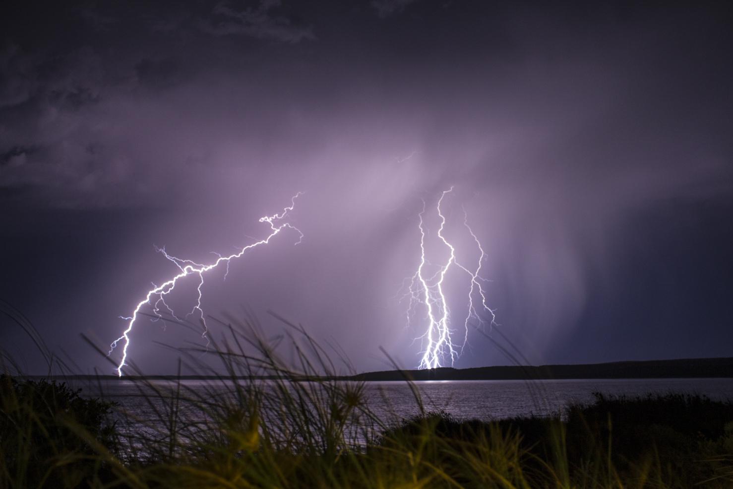 lightning237.jpg