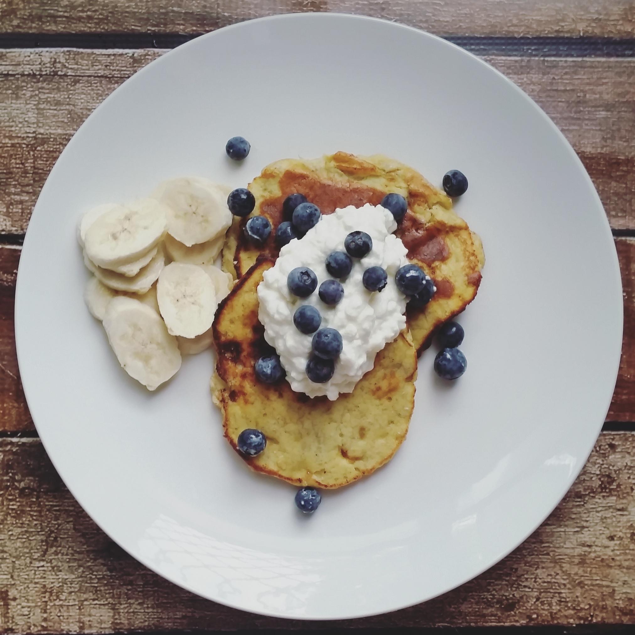 Sante Wellness banana paleo pancakes