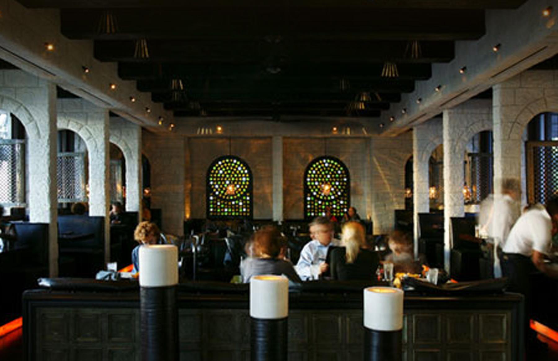 Restaurant-Javiers-02.jpg