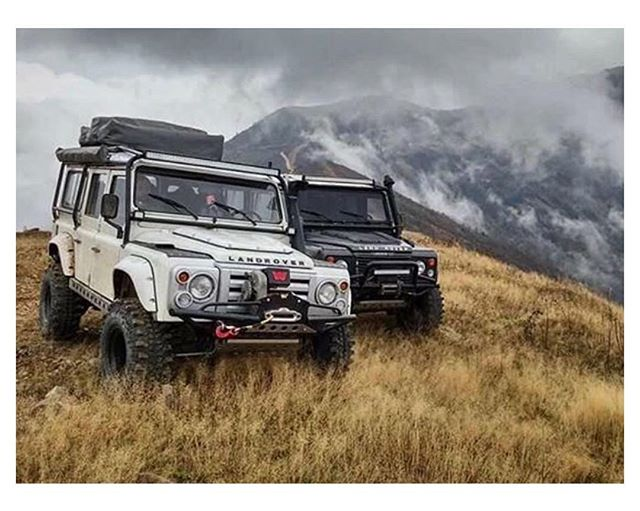 Everything is better with friends. | #RoamOutside  Pic: @defender.tr