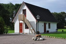 HJORTSBY TORP - MÖRARP  Hjortshögsvägen 500 253 54 MÖRARP Tel: +46 (0)708 168 587  www.hjortsbytorp.se/sv/   info@hjortsbytorp.se