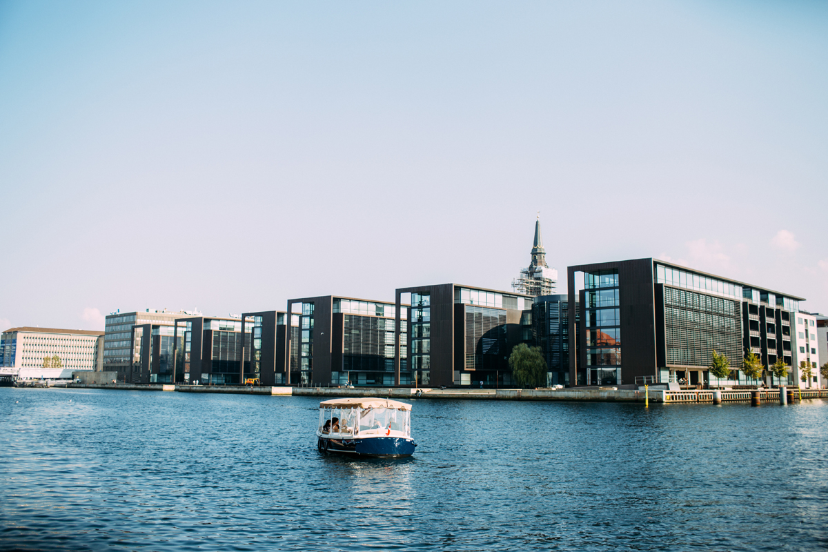 033-Elopement-Copenhagen-Denmark-Amanda-Thomsen.jpg