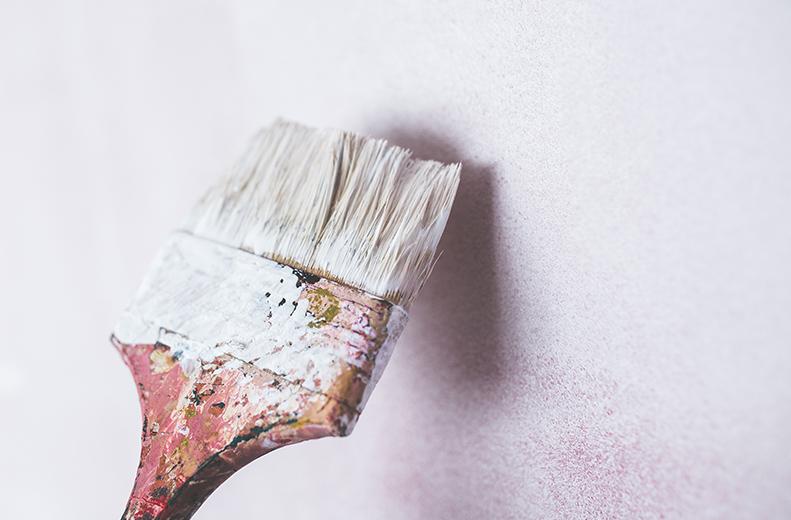 Z snickeri utför alla sorters renoveringar så som golvsättning, uppbyggnad av inomhusväggar och innertak, fasadbyten etc. Vi målar även både invändigt och utvändigt och har lång erfarenhet av fasadmålning. Vi utför sprutmålningar invändigt på tak, väggar, dörrar och garderober.