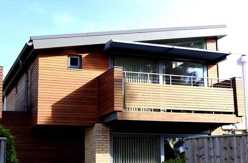Z snickeri har lång erfarenhet av nybyggnationer av bl.a. hus, uterum, garage och altaner. Vi hjälper kunden i samtliga steg, från idé och bygghandlingar till slutförande.