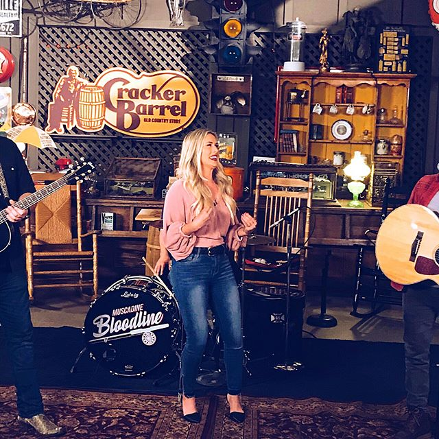 """Interviewing @muscadinebline today for the @crackerbarrel Warehouse Sessions Live really had me feeling all the feels, as you can see 😂🙌🏽! They are so good!  _____ Their new EP just came out and my fav song is """"Moving On."""" One of the best breakup songs I've heard. And these guys lived 3 mins away from each other in Mobile AL, but never met until they went to different colleges, both playing music at bars... so crazy! _____ Go to the @crackerbarrel FB Page now to see he full live interview! _____ (Outfit: @lizardthicketnashvilletn 💃🏼)"""