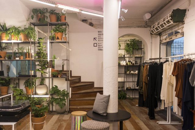 Interior da loja/experiência da Ahlma. Foto: Rafael Bittencourt