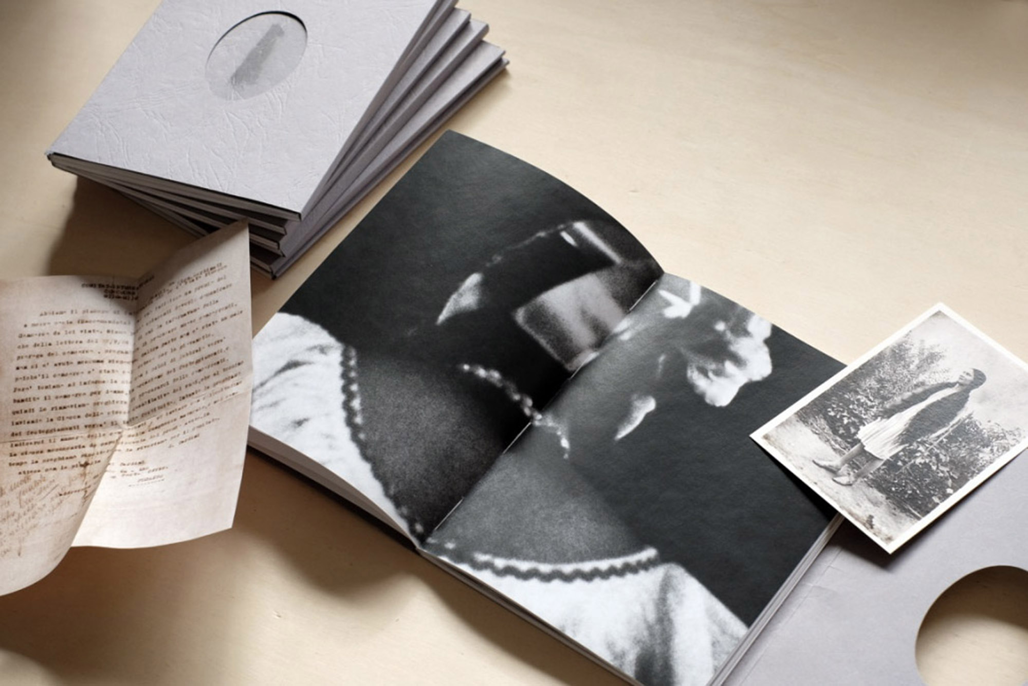 M_book_01.jpg