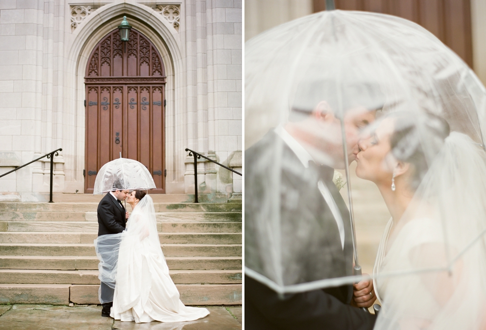 Rainy Cleveland Ohio Wedding Photos