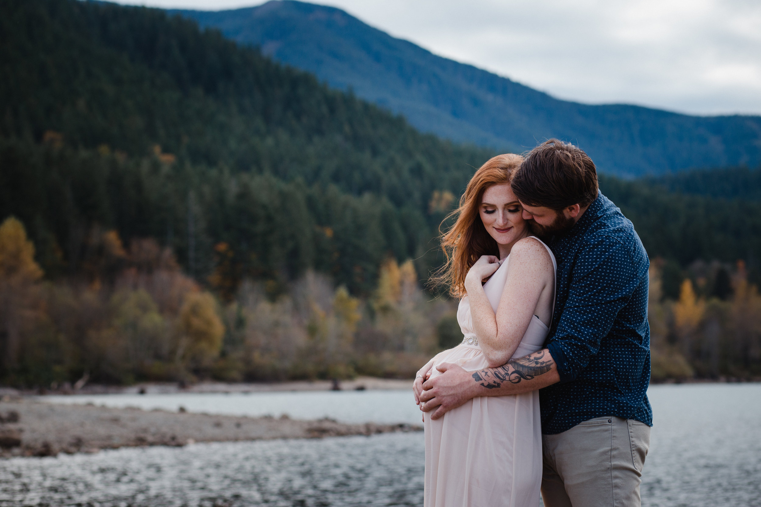 Rattlesnake Lake Maternity | North Bend Maternity Photographer