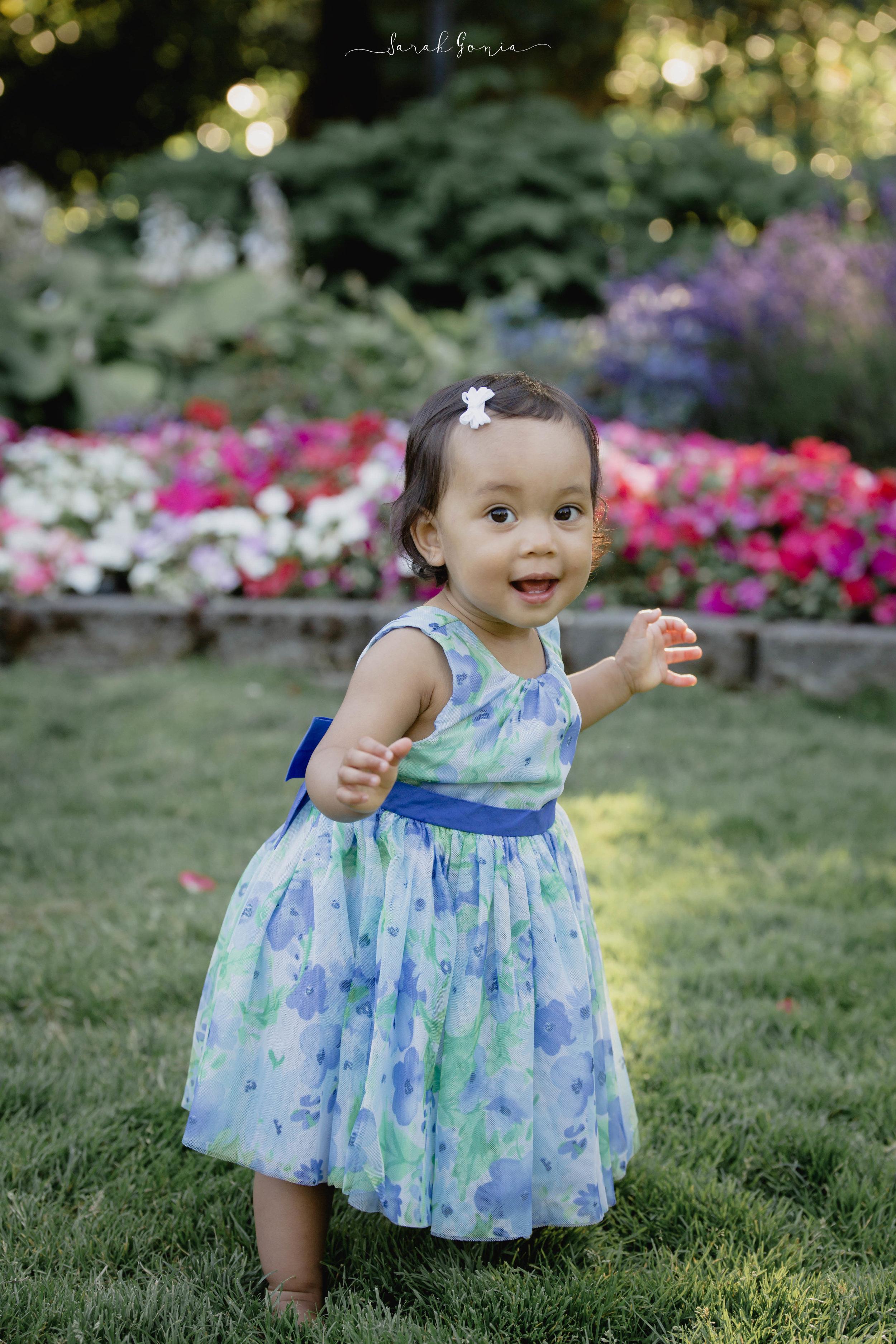 Pt. Defiance Rose Garden Portraits   Tacoma Portrait Photographer