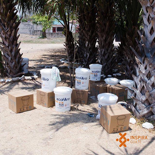El cuerpo humano está conformado por un 60% de agua, sabemos lo importante que esto es para la salud de las personas, por ello seguimos trabajando para distribuir ecofiltros a familias que lo necesitan.  #inspiraguate