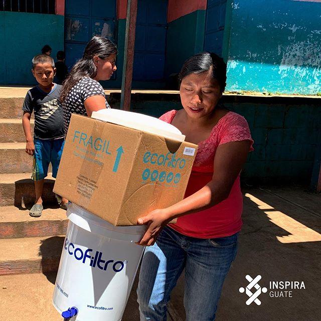 Como parte de nuestro programa de agua limpia, brindamos Ecofiltros a familias de nuestro programa de nutrición para brindar una mejor calidad de vida.  #inspiraguate