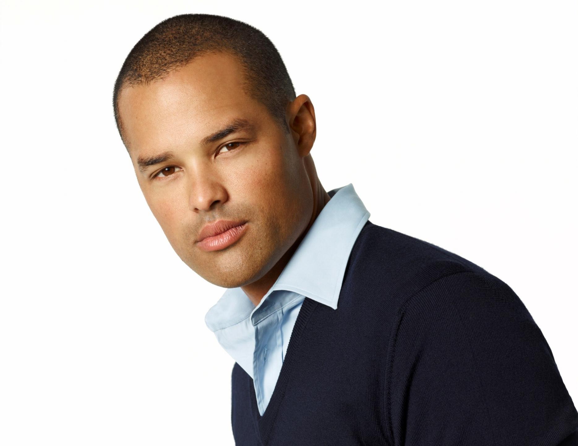 Jason Lawrence Olive as Derrick Lawrence