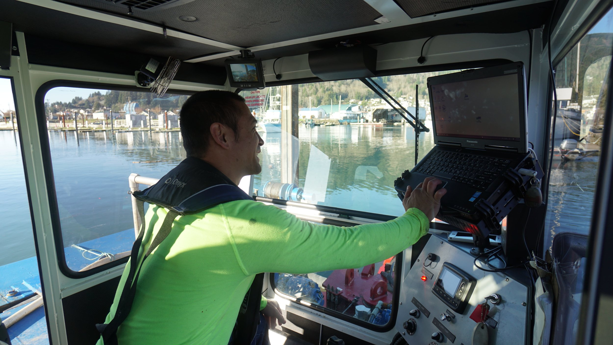 Operating the dredge