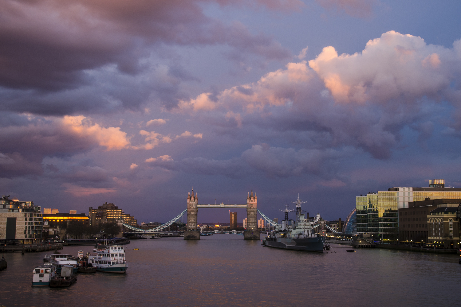 From London Bridge  Photography: Alexander J.E. Bradley - Nikon D7000 - AF-S NIKKOR 14-24mm f/2.8G ED @ 24mm - f/22 - 1/2 - ISO:100