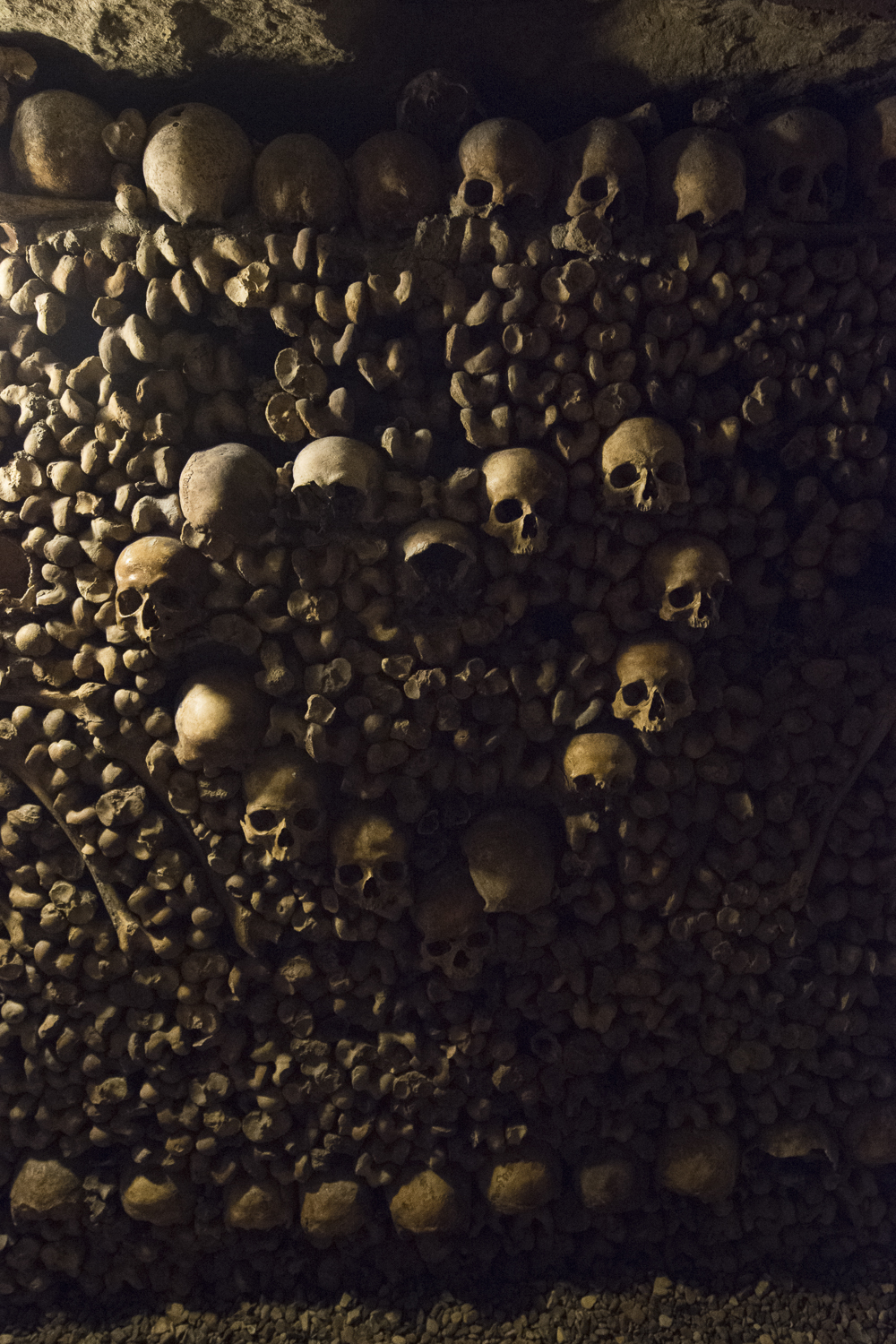 Catacombs of Paris - PHOTOGRAPHY : ALEXANDER J.E. BRADLEY - NIKON D610 - NIKKOR 14-24MM F/2.8 @ 21MM - F/2.8 - 1/30 - ISO:6400