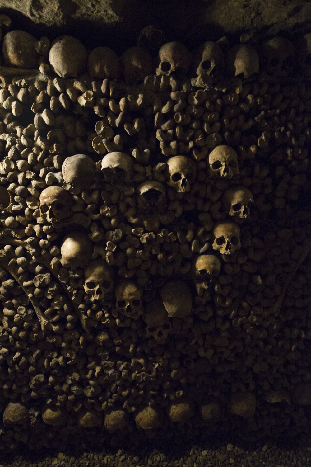 Catacombs of Paris - PHOTOGRAPHY : ALEXANDER J.E. BRADLEY - NIKON D7100 - NIKKOR 14-24MM F/2.8 @ 14MM - F/2.8 - 1/30 - ISO:6400