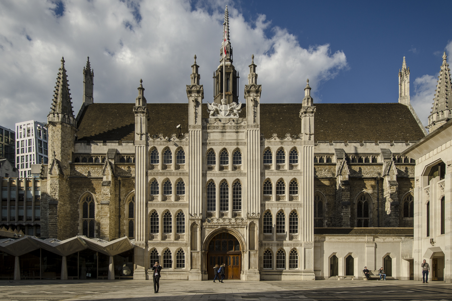 The Guildhall of the City of London - PHOTO: ALEXANDER J.E. BRADLEY - NIKON D7100 - 14-24 F/2.8 @ 18MM - F/6.3 - 1/1600 -ISO 100