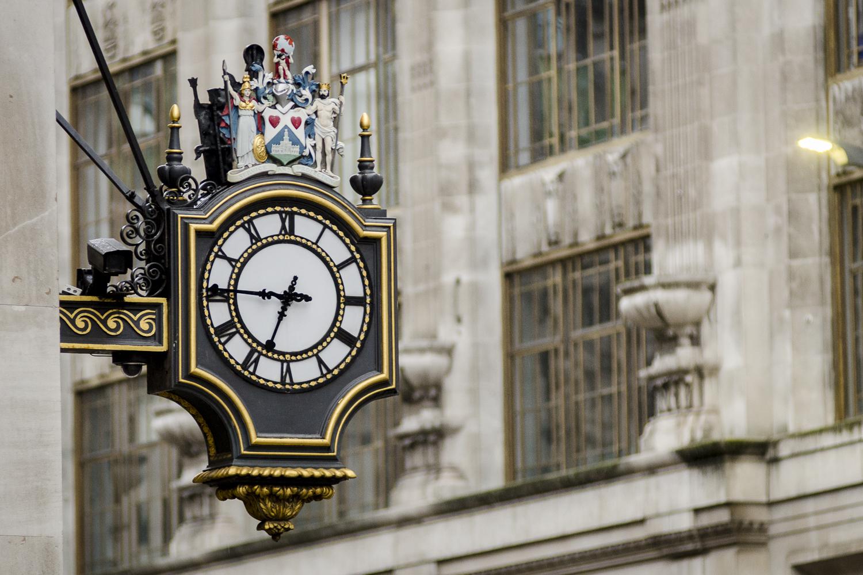 The Royal Exchange - PHOTO: ALEXANDER J.E. BRADLEY - NIKON D7100 - 80-200MM F/2.8 @ 170MM - F/2.8 - 1/160 -ISO 800